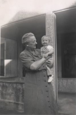 Florence Woodworth Gilman, with grandson, Steven 1948