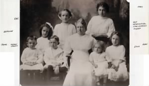 011-FH-MMM-008a Mary Morris Miles Age 16 with Full Family 1917.jpg