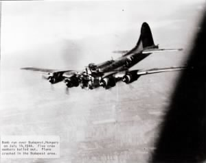 Pysonya (B-17G 42-31795) going down