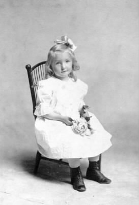 Dorothy (Simmons) Triebel as a little girl