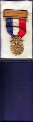 Gold Star Mother Insignia belonging to Josephine Strange Smith Russell.jpg
