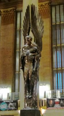 30th_Street_Station_Angel_of_the_Resurrection.jpg