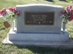 Tombstone_Dayle Wall_1920-1986.jpg