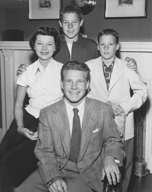 473px-Adv_of_Ozzie_and_Harriet_Nelson_Family_1952.jpg