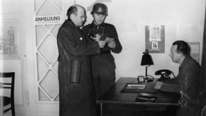 William L. Shirer, left, the bureau chief for CBS radio, at the broadcasting center in Berlin in 1939.jpg