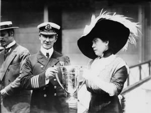 Margaret Brown (right) giving Captain Arthur Henry Rostron an award for his service in the rescue of Titanic's surviving passengers.jpg
