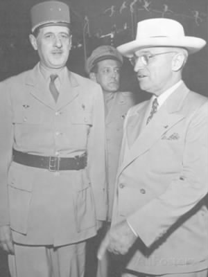 harry-s-truman-and-charles-degaulle-being-welcomed.jpg