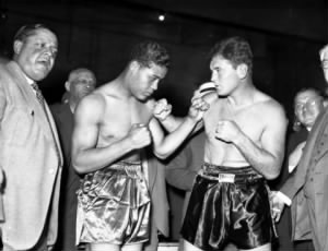 Joe Louis, left, poses with boxer Jim Braddock.jpg