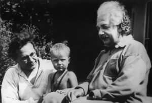 einstein-albert-with-son-hans-albert-grandson-bernhard-1936-sized.jpg