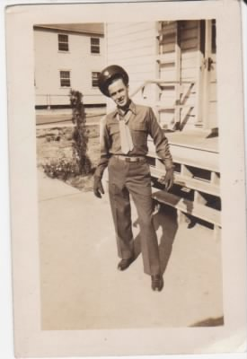 Riggins 1943 Chester Fort Leonard Wood MO.jpg