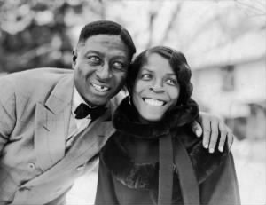 800px-Huddie_Ledbetter_(Leadbelly)_and_Martha_Promise_Ledbetter,_Wilton,_Conn..jpg