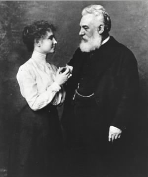 Helen_Keller_and_Alexander_Graham_Bell.jpg