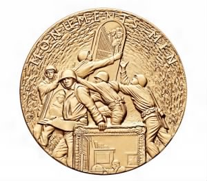 Monuments_Men_Congressional_Gold_Medal_(front).jpg